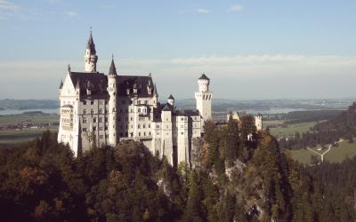 brand-castle